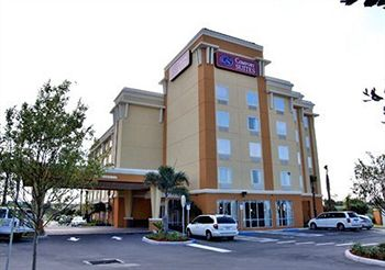 Comfort Suites Orlando International Airport