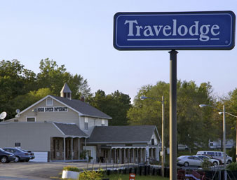 Travelodge Airport Platte City - 6 days Minimum